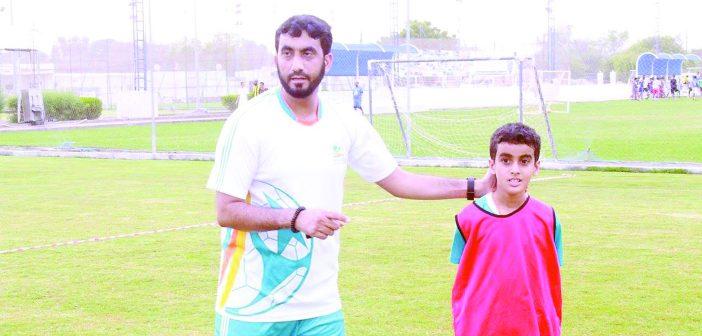 المدرب خليفة الشبلي ومشرف مـدرسة «سمارت»: الأندية وراء ظهور مدارس تدريب الكرة الخاصة