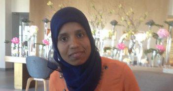 العداءة المغربية عزيزة الراجي : ماراثون عمان الصحراوي جميل وصعب ويسير نحو العالمية بقوة